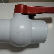 Кран для труб белый 2
